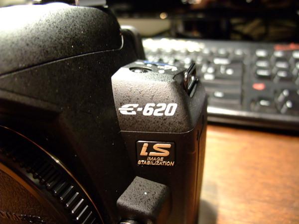 E620的LOGO還真是美呢!!