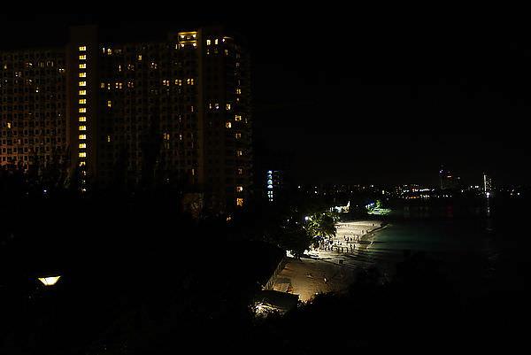 夜晚的杜夢灣!!