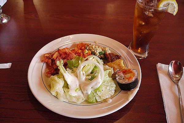每餐都有生菜+泡菜  ^^