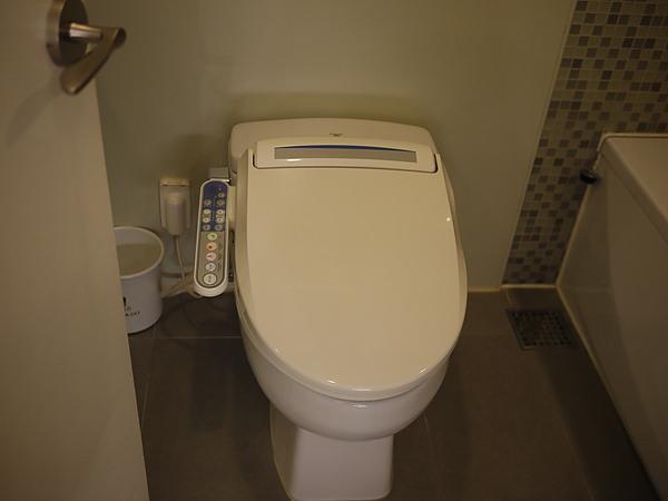 廁所比上次新村CASA大了很多