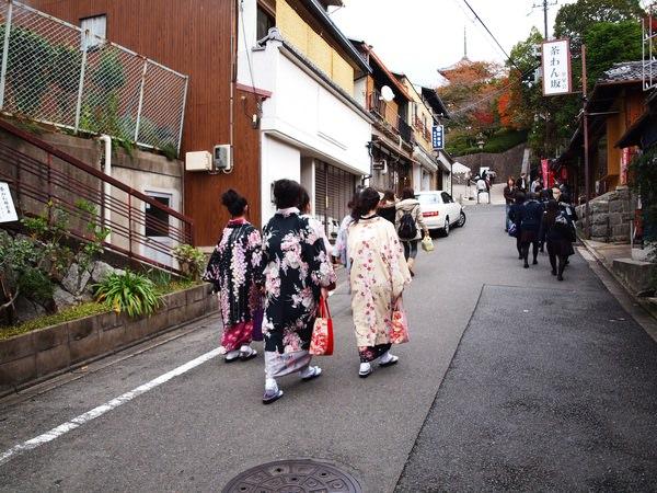 看到穿和服的日本女生!