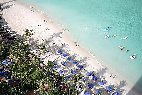 毛兒蜜月套房的VIEW真的很棒!!!  是杜夢灣的沙灘~ PERFECT!
