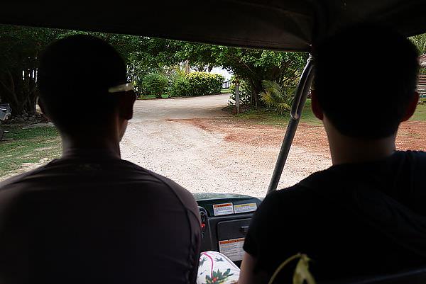 接著去坐越野車囉~~~ GOGO!!