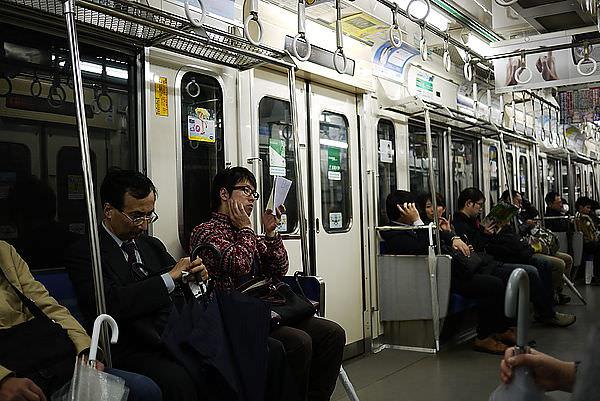 這個線比地鐵JR線少很多很多人