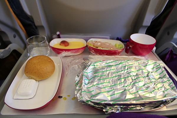 但大家都說泰航的飛機餐點很贊!
